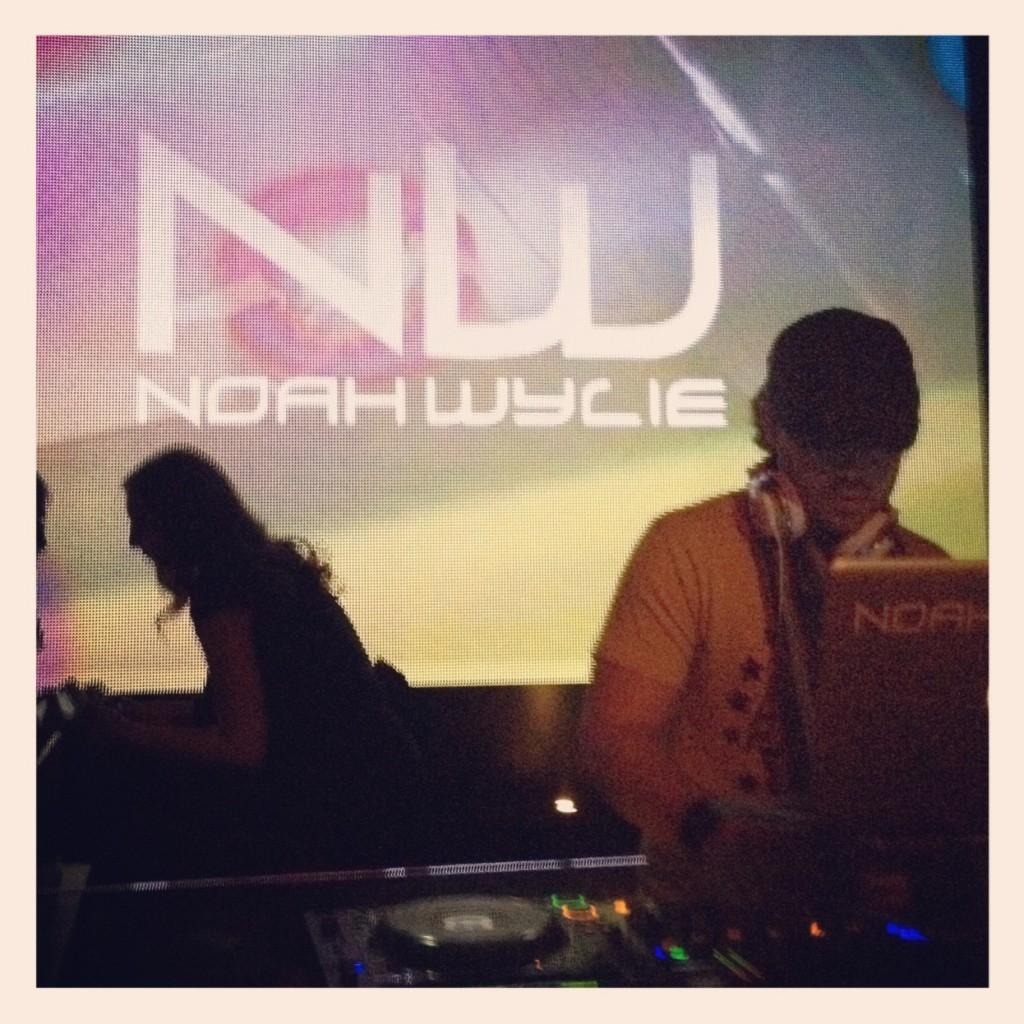 DJ Noah Wylie >> Wild Knight