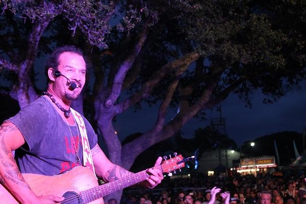 Michael Franti >> Cali Roots 2015